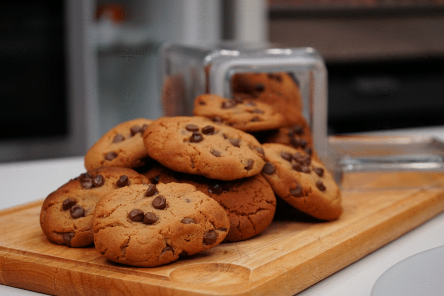 Chocolate Chip & Peanut Butter Cookies With Régilait Skimmed Milk Powder