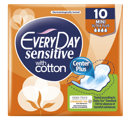 everyday sensitive with cotton pads mini